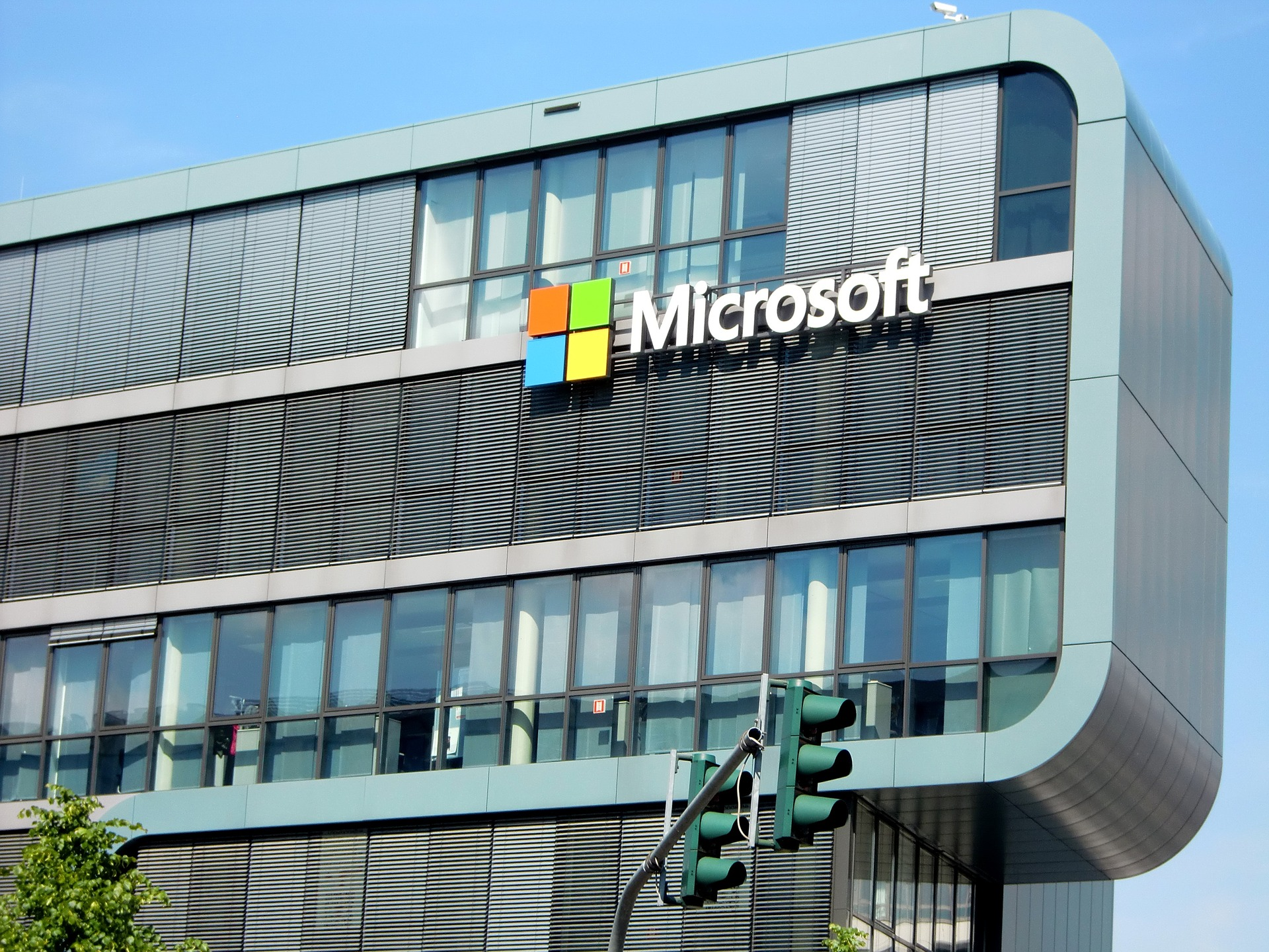 Why Did Microsoft's Income Increase in Pandemic?